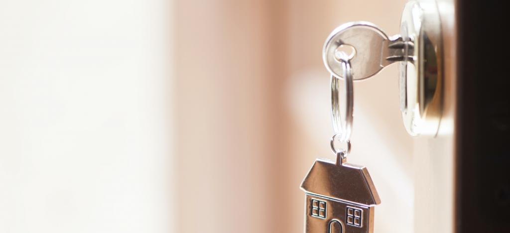 proteger la puerta de tu vivienda de un robo
