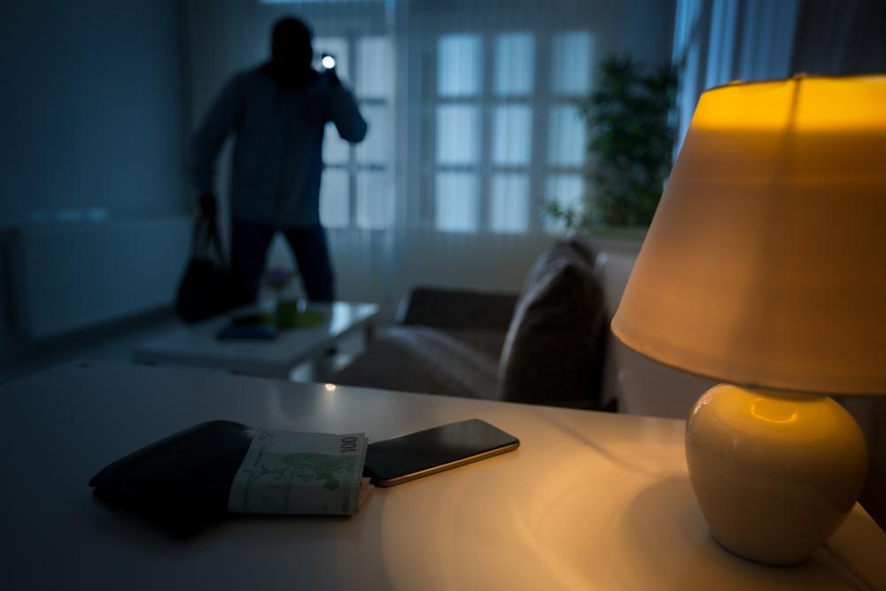 consejos de seguridad para proteger tu vivienda en Semana Santa